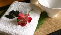 Blume auf Handtuch